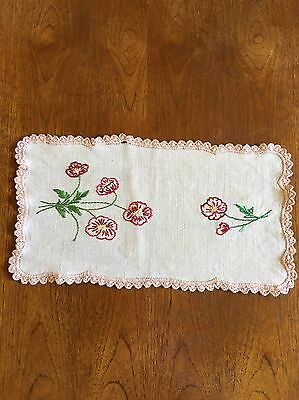 Vintage Hand Embroidered Duchess / Doily Dining Table 46cm