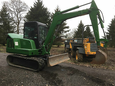 Bobcat 5 Tonn Mini Digger with Front Blade and 3 Buckets