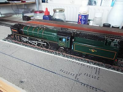 """HORNBY R552 BR 4-6-2 7P """"Oliver Cromwell"""" Mint & Boxed"""