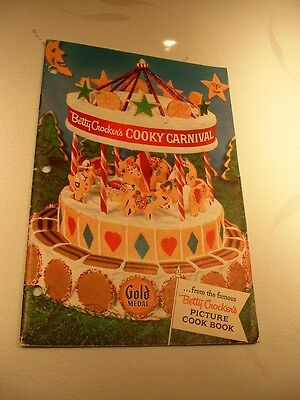 Nice 1957 Betty Crocker's Cooky Carnival Gold Medal Picture Cook Book