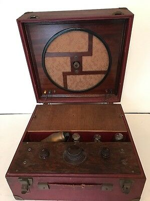 Early Valve Battery Radio - Make Unknown .....