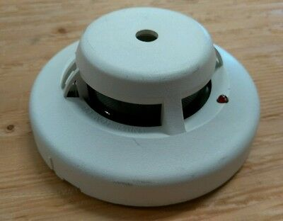 system sensor dh ionization smoke detector head bull  system sensor 2112 atl 4 wire photoelectric smoke detector head used