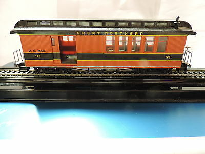 Bachmann On30 Great Northern Passenger Car, Combo # 126, Op Door, No Box