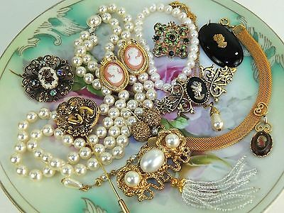 Lot Necklace Earrings Pin Brooch Vintage 2now Estate Victorian Style Cameos 0877