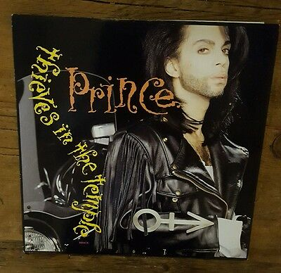 Original 1990 Prince Thieves in the Temple Vinyl LP W9751T