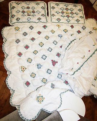 American Country Chic Patchwork Quilt 2 Pillow Cases And a Valance sheet VGC