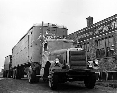 "1940's Freightliner of Freightways Consolidated Semi Truck Rig 8""x 10"" Photo 42"