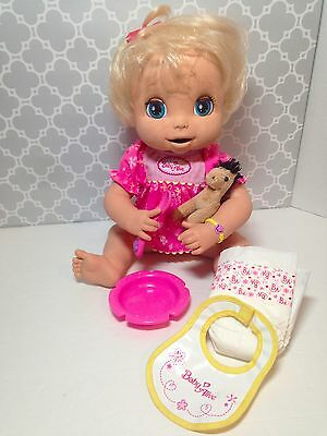 2006 Hasbro Baby Alive Soft Face Doll Bowl Magnetic Spoon Bib