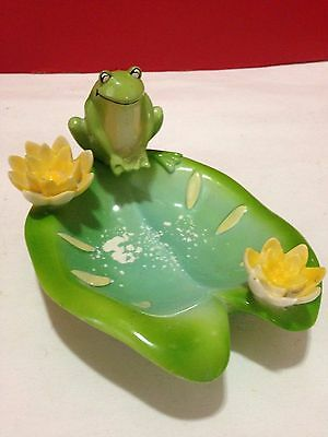 Frog on a lily pad Soap Dish by EFR, Ceramic