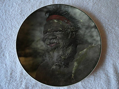 ROYAL DOULTON PLATE AUSTRALIAN ABORIGEN D 6422 MADE IN ENGLAND 1950s