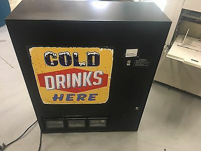 Coinco CT48 - Compact Soda Pop Vending Machine - 48 Can Capacity - Coin Operated