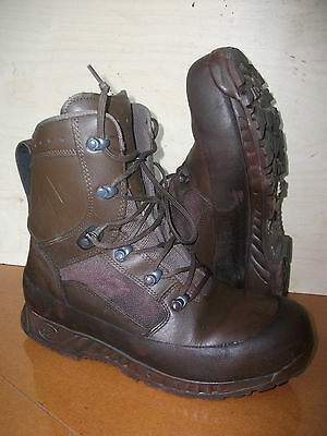 Size 10 genuine brown combat high liability haix boots!very good condition!