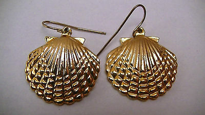 Vintage Gold Seashell Scallop Clam Shell Brass Earrings set 12 grams total / w