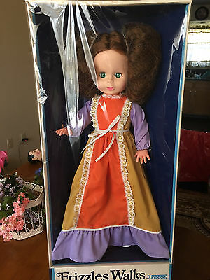 """Vintage Very Rare 1982 Green Eyed Frizzles Uneeda Walking Doll 24"""" Nrfb !!"""