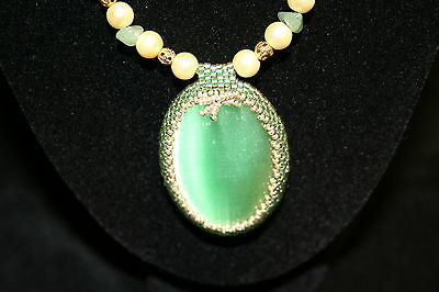 New Handcrafted Gold Jade Cream Pearl Green Glass Bead Necklace Pendant