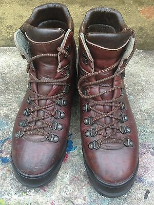 Scarpa Leather Mountaineering Boots (size 43)