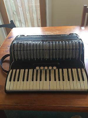 Marinucci 41 Key Accordian Made In Italy