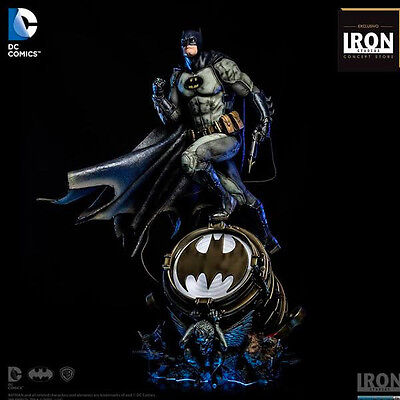 Iron Studios Batman 1:3 Third Scale Statue Figure by Ivan Reis Brand New