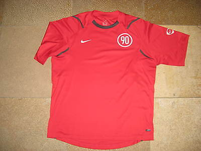 Maillot de foot rouge Nike 90 Dry Fit taille M - comme neuf