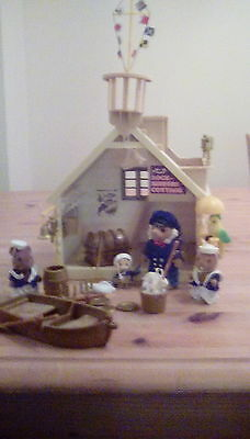vintage sylvanian families lock keepers cottage and figures RARE!!