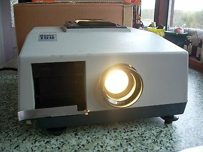 Boots 150 35mm Slide Prjector working with bulb + 3 cassettes