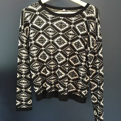 Vintage Retro Black And White Knit Pull Over Size Small