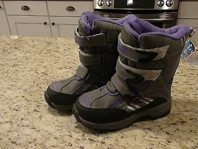 Girls Winter Boots by Totes Girls/Womens Size 4 GUC