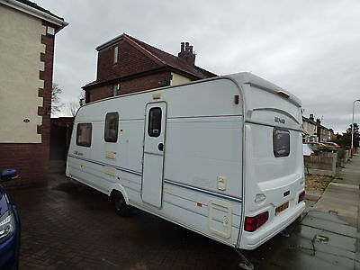 Lunar LX2000 Year 2001 4 / 5 Berth Touring Caravan With End Bathroom, Bunk Beds