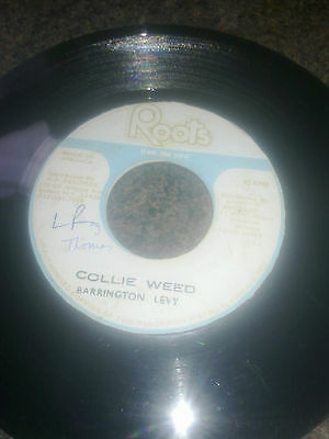 BARRINGTON LEVY - COLLIE WEED/VERSION - 7''  ROOTS (Made in Jamaica)