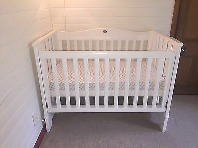 Boori Cot/toddler Bed- White -Bedding, Night Light,Mobile,Tummy Time Mat, Bumper