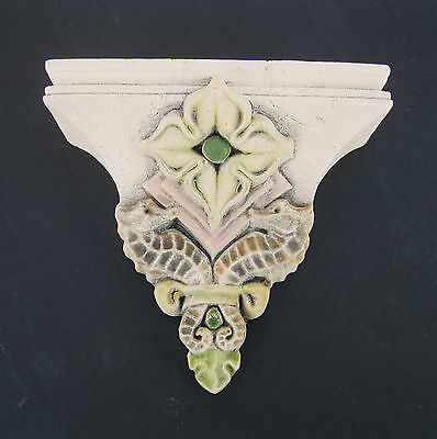 Seahorse Bracket Arts & Crafts Gothic Ellison Tile