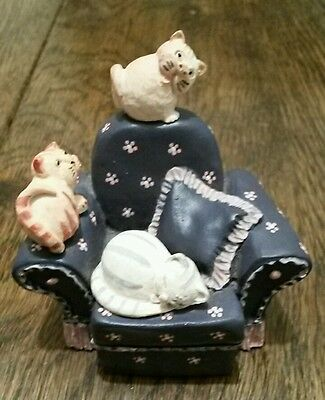Gang's Chair - HS312 - Colour Box Cat by Peter Fagan