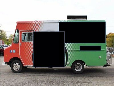 20ft Mobile Food Truck with Full Kitchen