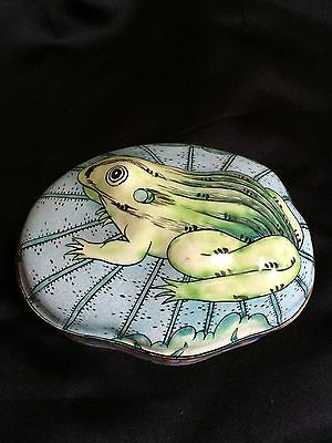 Small Vintage Frog Trinket Box. Chinese Cloisonne Enameled on Brass
