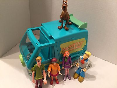 Scooby Doo Mystery Van W Complete Action Figures Shaggy Velma Fred Daphne Scooby