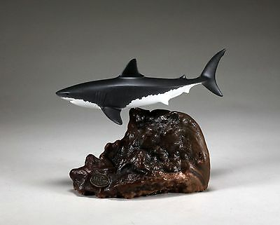 GREAT WHITE SHARK MALE Sculpture New direct from John Perry 8in long Airbrushed