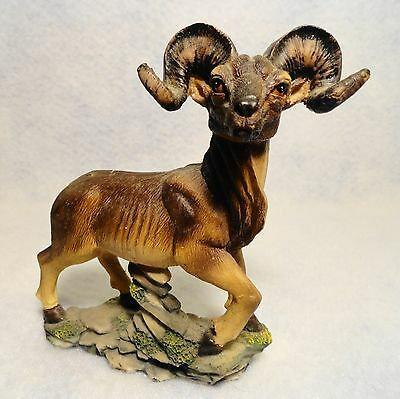 Magnificent lg. Male BIG HORN SHEEP Figurine North American Wild Life detailed!