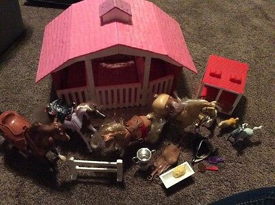 BREYER Classic 3 Horse Stable Barn Snap Together Pieces Fits 1:12 Scale & Mini