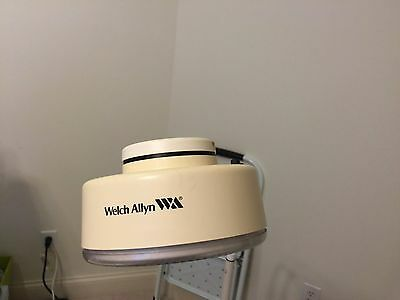 Never Used Welch Allyn 44100 Exam Floor Doctor Procedure Diagnostic Light Lamp