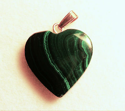 VERY NICE VINTAGE 17mm 13 cts MALACHITE HEART PENDANT WITH BAIL ZAIRE AFRICA # 4
