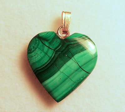 VERY NICE VINTAGE 18mm 12 cts MALACHITE HEART PENDANT WITH BAIL ZAIRE AFRICA # 5