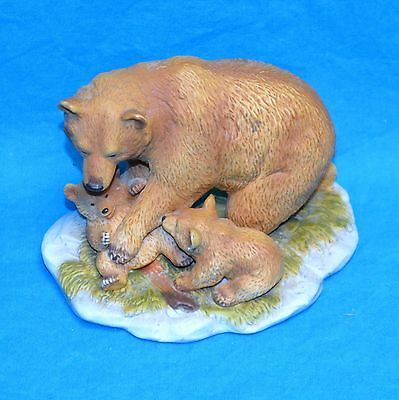 """Homco #1435 Brown Bear Mom with 2 Cubs 4.25"""" Figurine Statuette"""