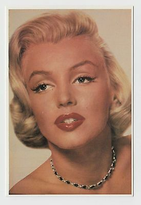 MODERN POSTCARD - Marilyn Monroe in close up, full red lips