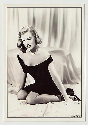 MODERN POSTCARD - Marilyn Monroe kneeling in elegant little black dress