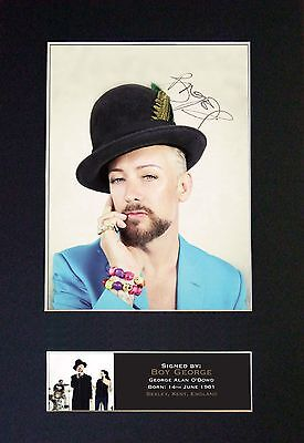 BOY GEORGE MEMORABILIA - Collectors Signed Photo + FREE WORLDWIDE SHIPPING
