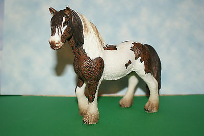 Brown & White Clydesdale Stallion Draft Horses by Schleich 2007