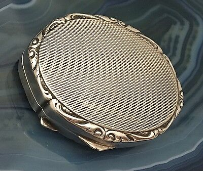 SUPERB Solid .925 Sterling Silver Guilloche/Engine Turned Pillbox/Snuffbox-L573