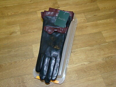 Marshall Fields Woman's Leather Gloves Size 7 Black