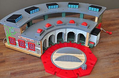 THOMAS TANK ENGINE Wooden Railway Tidmouth Sheds Roundhouse Sounds