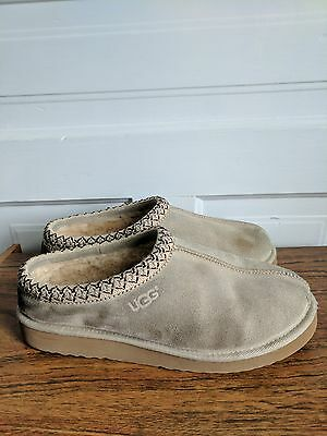 Men's UGG Slippers / Shoes Size 10M Tan Wool Sheep skin